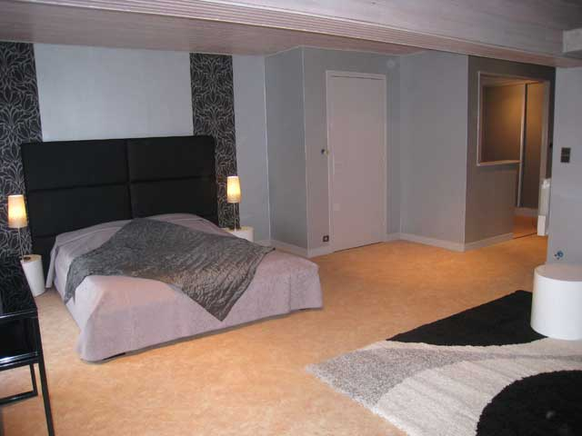 chambres d 39 h tes la chambre d 39 amis montgueux europa bed breakfast. Black Bedroom Furniture Sets. Home Design Ideas
