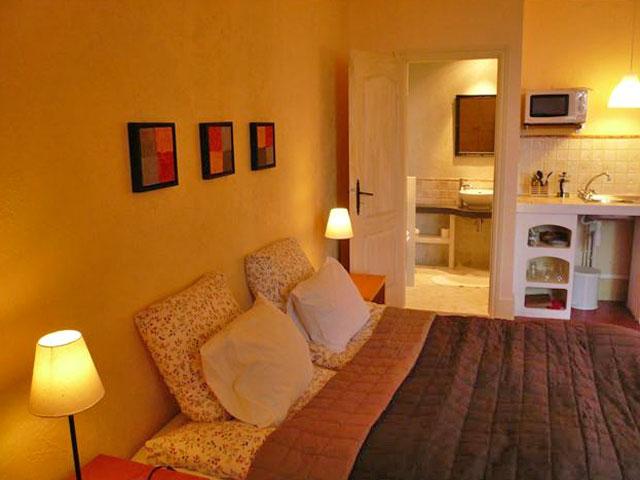 interesting bed u breakfast la maison du midi with les maisons du midi. Black Bedroom Furniture Sets. Home Design Ideas