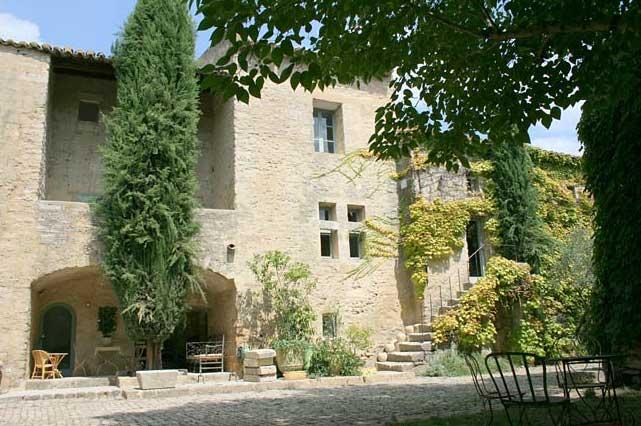 M: B B Chambres d htes Le Mas du Lac - Uzs, France