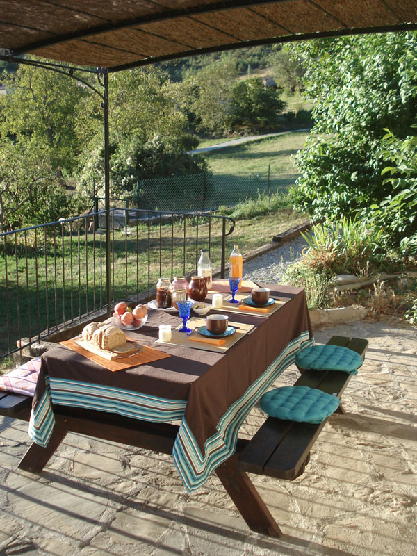 bed and breakfast la maison de julie entrevaux europa. Black Bedroom Furniture Sets. Home Design Ideas