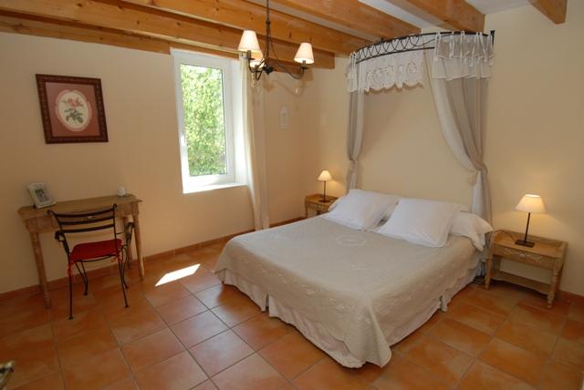 chambres d 39 h tes les tilleuls d 39 elis e vaison la romaine europa bed breakfast. Black Bedroom Furniture Sets. Home Design Ideas