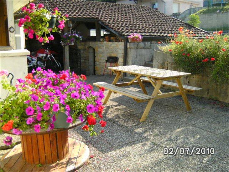 location de vacances g te au jardin fleuri h rimoncourt europa bed breakfast. Black Bedroom Furniture Sets. Home Design Ideas