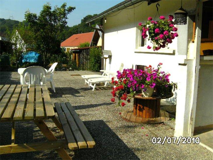 ferienhaus ferienwohnung au jardin fleuri herimoncourt europa bed breakfast. Black Bedroom Furniture Sets. Home Design Ideas