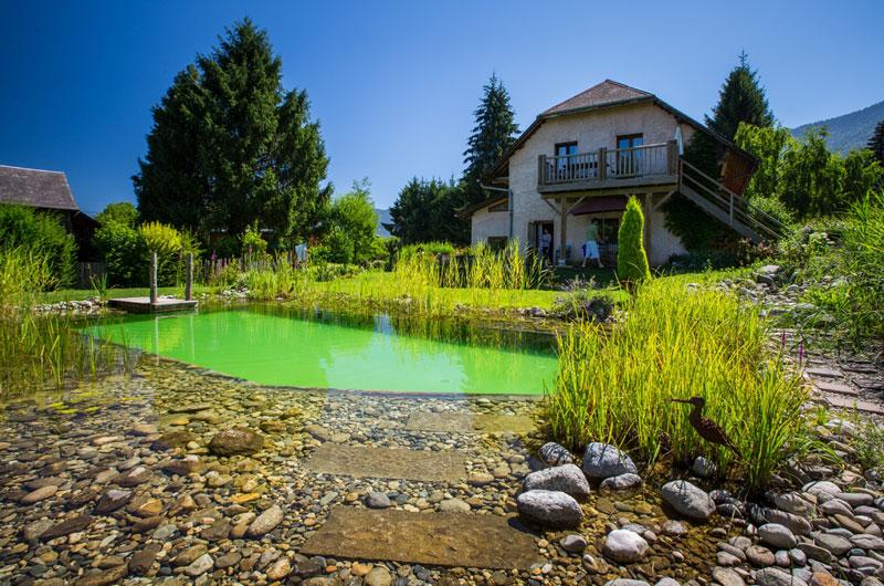 location de vacances g te la jument verte aix les bains europa bed breakfast. Black Bedroom Furniture Sets. Home Design Ideas